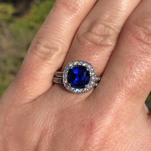 2 carat sapphire with