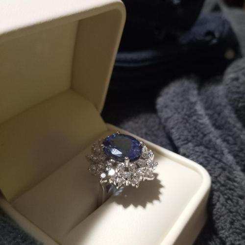 Tanzanite and diamond 18k