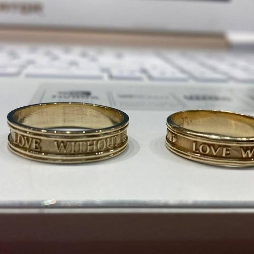 LOVE-WITHOUT-END Wedding Ring Band