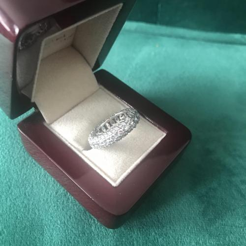 Tacori Platinum 3-sided Eternity