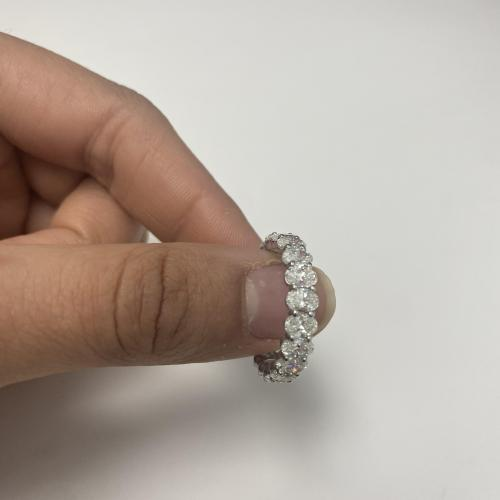 3+ carat oval diamond