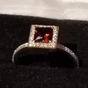 Diamond & Garnet Ring