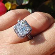 Diamond Halo Egagement ring