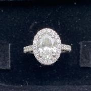 Oval Brilliant Diamond Engagement