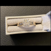 Lady's 14KT yellow Gold