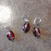 AMBER EARRINGS AND MATCHING